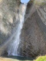 Spektakuläre Wasserfälle und Bergbäche sind hier überall zu finden.